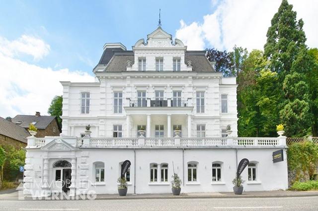 Villa Rolandseck Immobilien Werning Remagen Gründerzeitvilla Miete